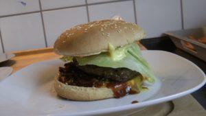Onion Burger auf dem Plancha Grill